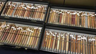 数百種類の木々から作られる工房もずの木軸ボールペン
