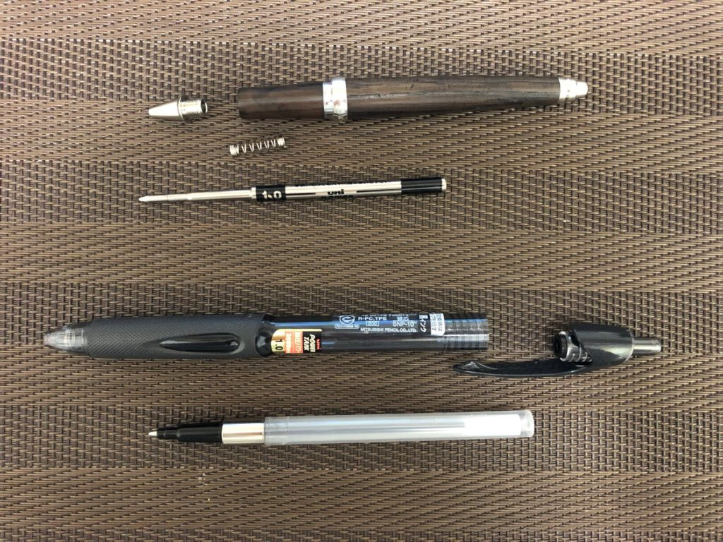 加圧式ボールペンのリフィル交換